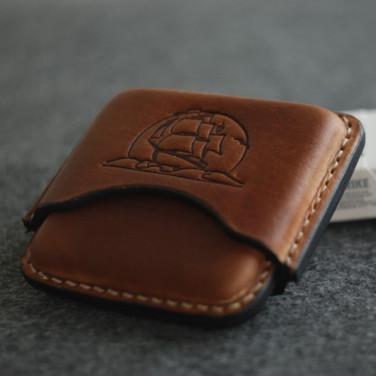 Шкіряний портсигар Brigantine brown leather