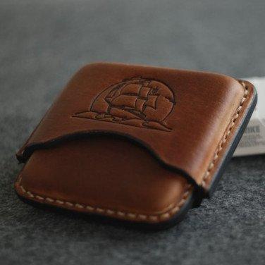 Кожаный портсигар Brigantine brown leather