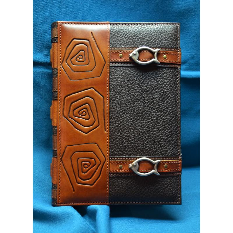 Ежедневник в кожаной обложке Рыбак brown leather