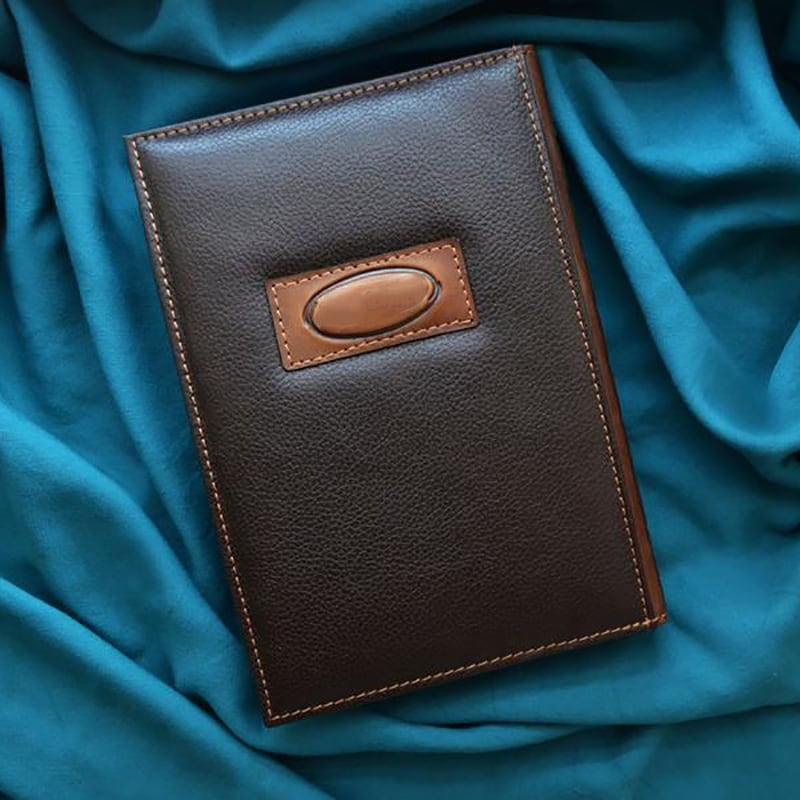 Блокнот в кожаной обложке Tea Party at the Hatter brown leather