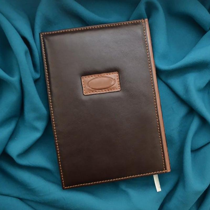 Блокнот в шкіряній палітурці Visiting the Hatter brown leather