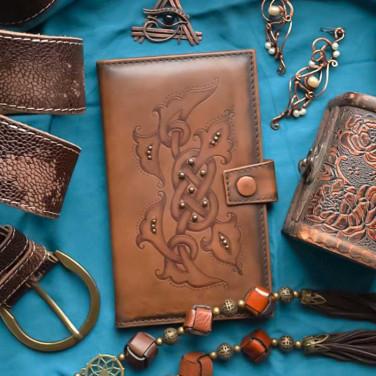 Жіночий гаманець Purse Celtic brown leather