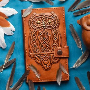 Женское кожаное портмоне Purse Celtic Owl brown leather