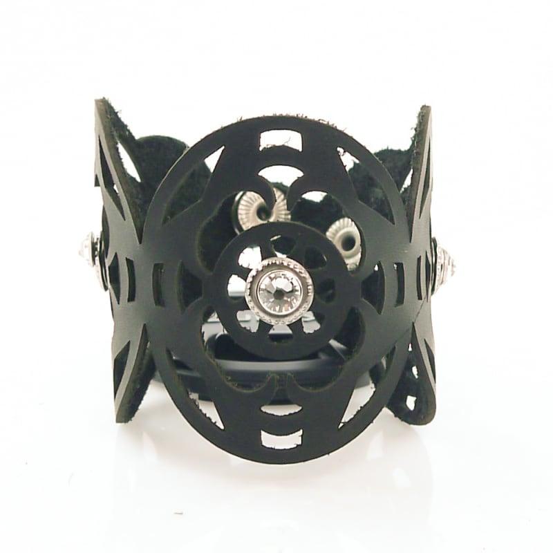 Женский кожаный браслет Gothic black leather