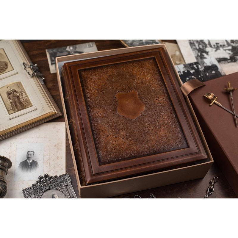 Родовід книга Геральдичний Щит brown leather